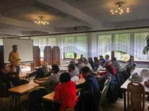 Stretnutie absolventov kurzu Manažér správy budov - fotka zo školenia